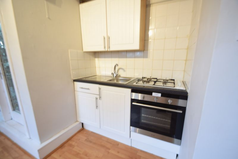 0 bedroom Flat to rent in Ruthin Close, Luton - Photo 7