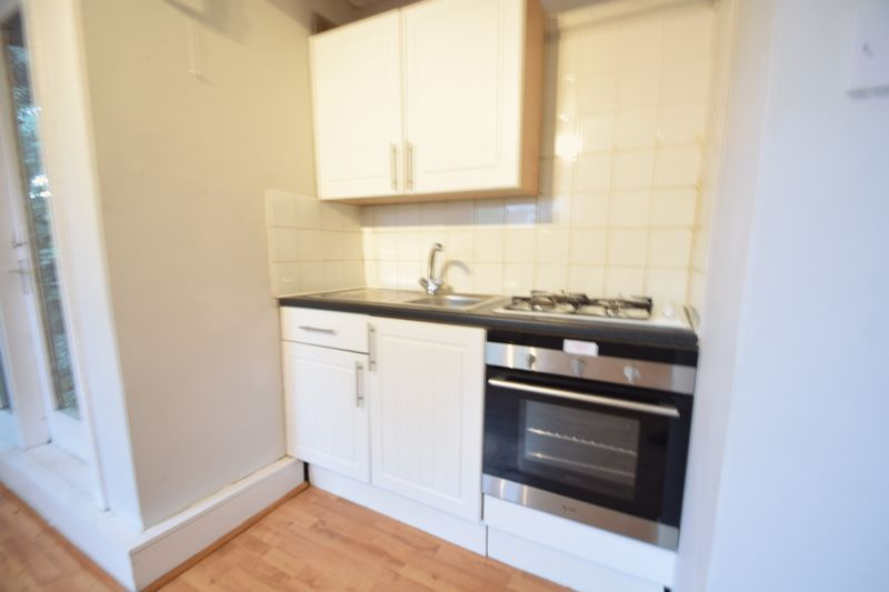 0 bedroom Flat to rent in Ruthin Close, Luton - Photo 8