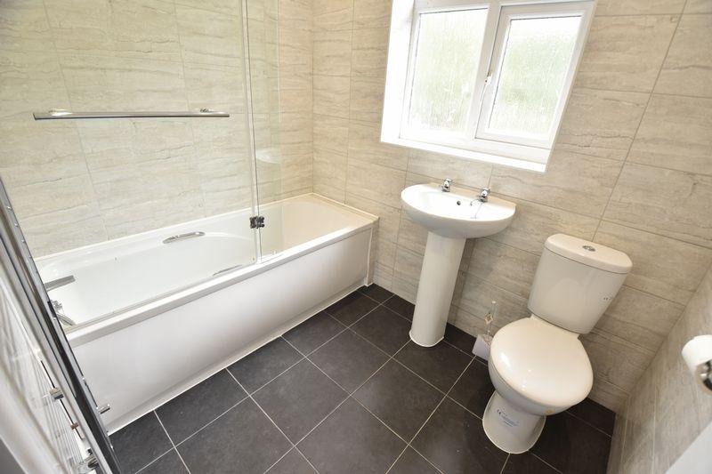 3 bedroom Mid Terrace to rent in Baker Street, Luton - Photo 8