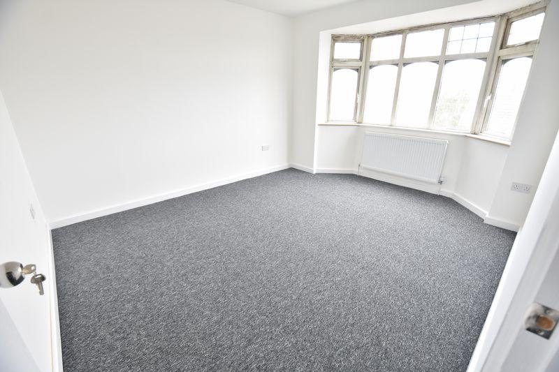 3 bedroom Mid Terrace to rent in Baker Street, Luton - Photo 10