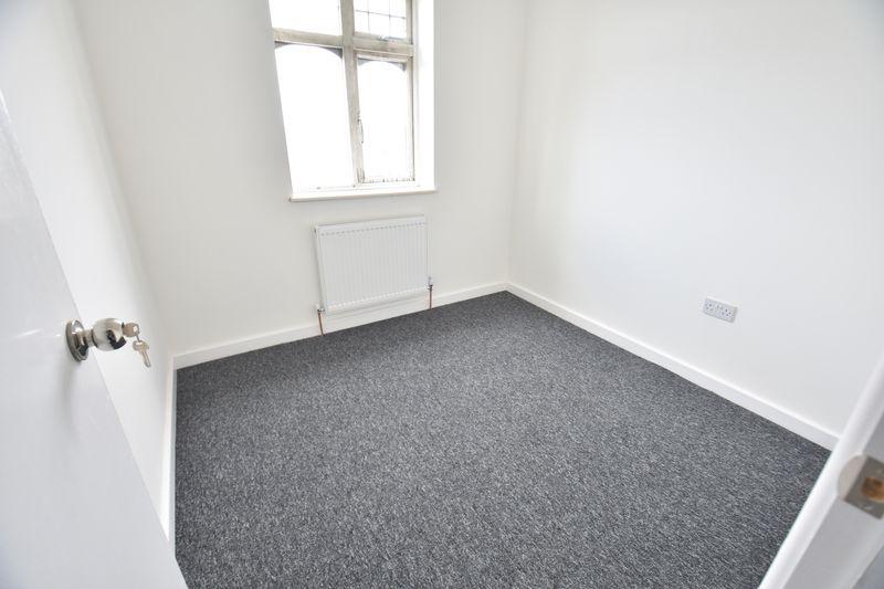 3 bedroom Mid Terrace to rent in Baker Street, Luton - Photo 11