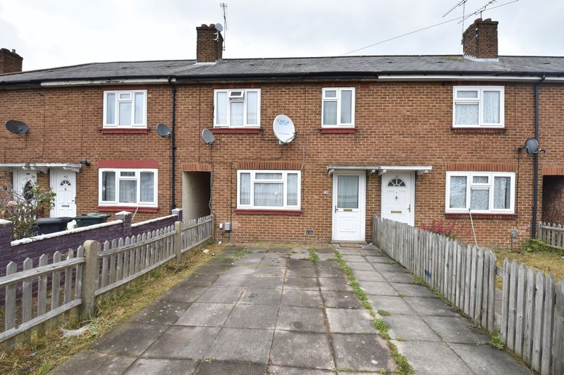 3 bedroom Mid Terrace to buy in Bristol Road, Luton