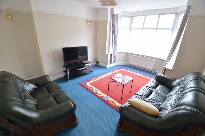 3 bedroom Semi-Detached  to buy in Norfolk Road, Luton - Photo 2