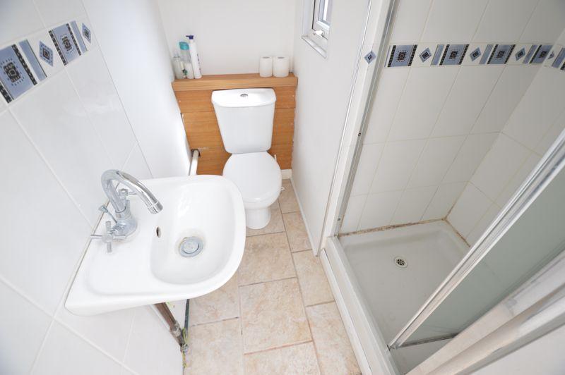 3 bedroom Semi-Detached  to buy in Norfolk Road, Luton - Photo 7
