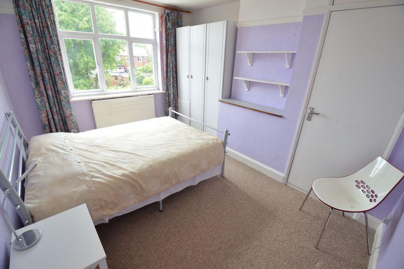 3 bedroom Semi-Detached  to buy in Norfolk Road, Luton - Photo 9