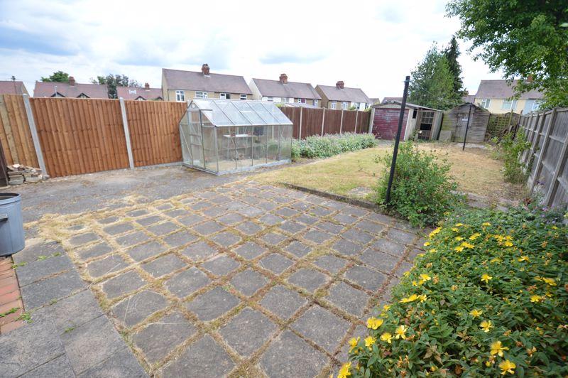 3 bedroom Semi-Detached  to buy in Norfolk Road, Luton - Photo 12