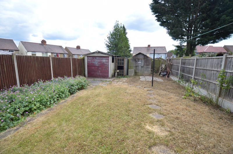 3 bedroom Semi-Detached  to buy in Norfolk Road, Luton - Photo 14