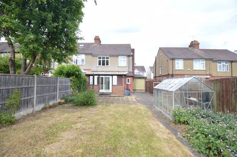3 bedroom Semi-Detached  to buy in Norfolk Road, Luton - Photo 15