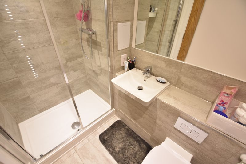 2 bedroom  to rent in Stirling Drive, Luton - Photo 6