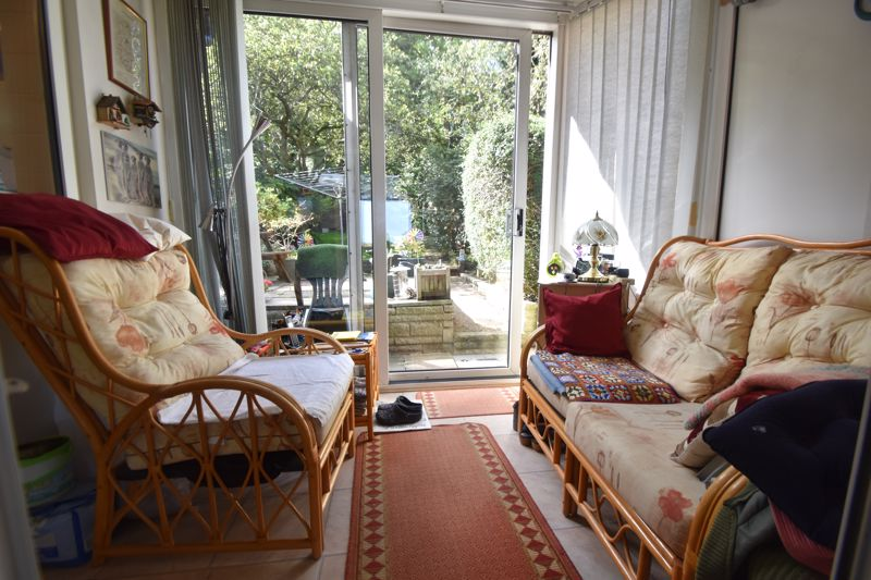 3 bedroom Mid Terrace to buy in Runley Road, Luton - Photo 15
