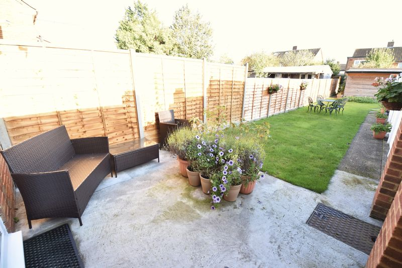 2 bedroom Semi-Detached  to buy in Holtsmere Close, Luton - Photo 4