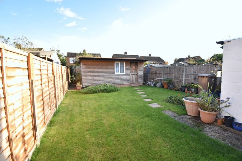 2 bedroom Semi-Detached  to buy in Holtsmere Close, Luton - Photo 9