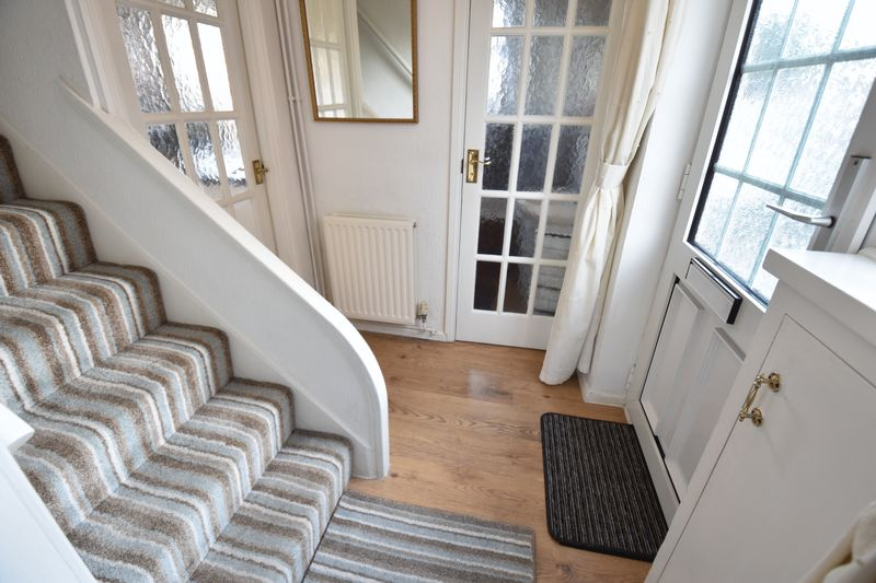 2 bedroom Semi-Detached  to buy in Holtsmere Close, Luton - Photo 16