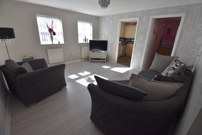 2 bedroom Flat to buy in Victoria Street, Dunstable - Photo 1