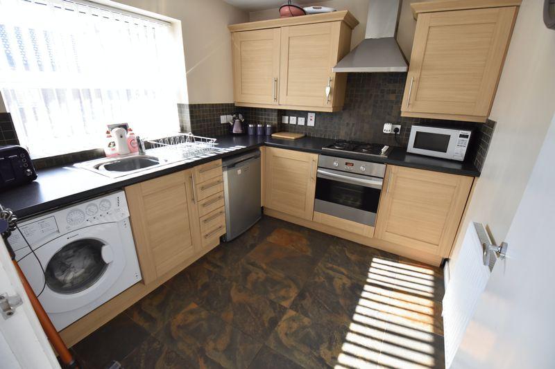2 bedroom Flat to buy in Victoria Street, Dunstable - Photo 2