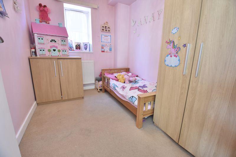 2 bedroom Flat to buy in Victoria Street, Dunstable - Photo 3
