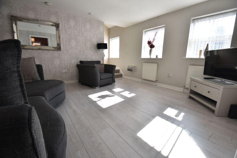2 bedroom Flat to buy in Victoria Street, Dunstable - Photo 4