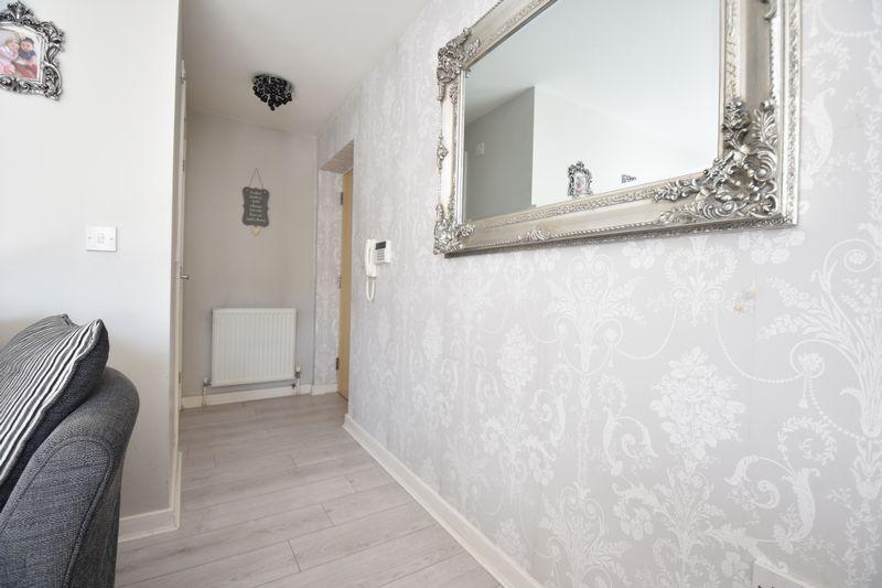 2 bedroom Flat to buy in Victoria Street, Dunstable - Photo 9