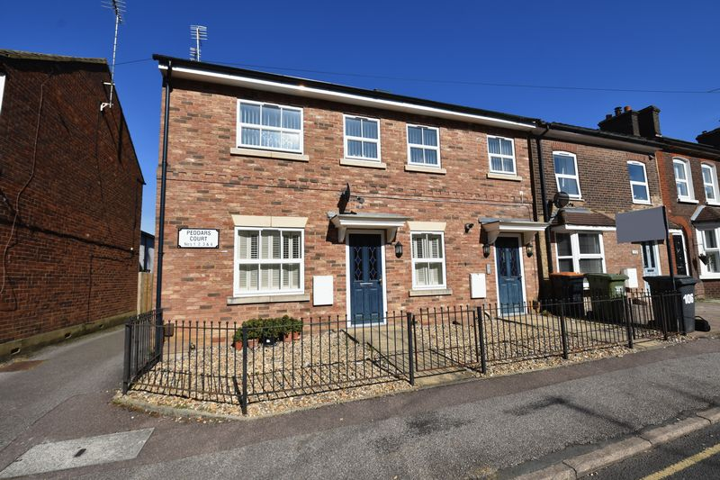 2 bedroom Flat to buy in Victoria Street, Dunstable