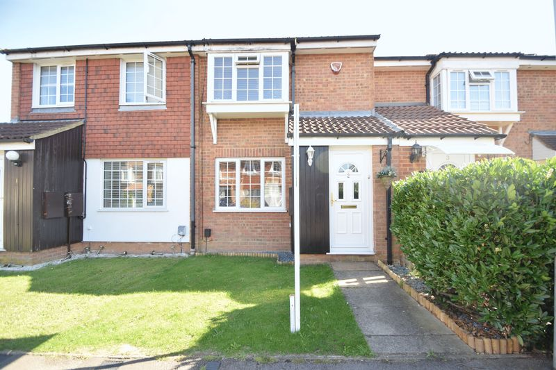 2 bedroom Mid Terrace to buy in Renshaw Close, Luton