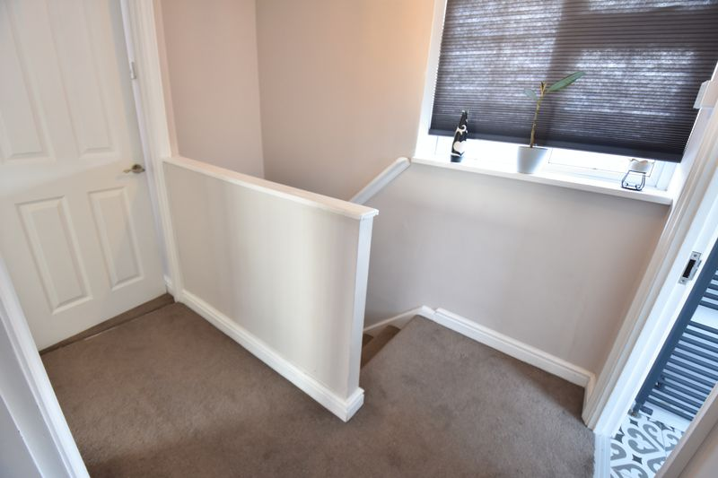 3 bedroom End Terrace to buy in Luton Road, Luton - Photo 1