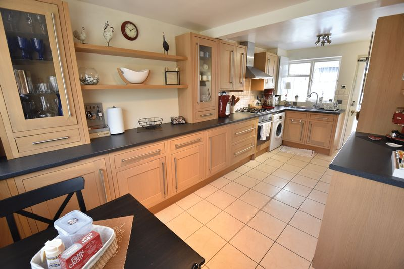 3 bedroom End Terrace to buy in Luton Road, Caddington - Photo 10