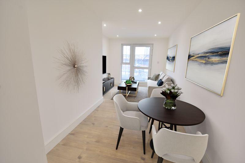 1 bedroom  to buy in 142 Midland Road , Luton - Photo 6