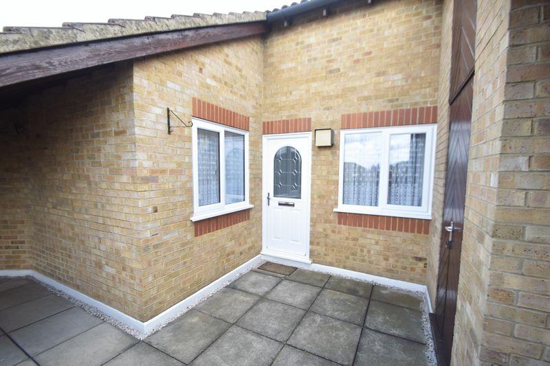 2 bedroom Apartment / Studio to buy in Hancock Drive, Luton