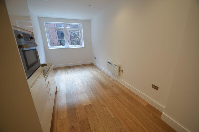1 bedroom Flat to rent in Park Street West, Luton - Photo 4