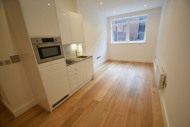 1 bedroom Flat to rent in Park Street West, Luton - Photo 6
