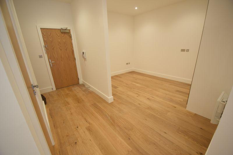 1 bedroom Flat to rent in Park Street West, Luton - Photo 8