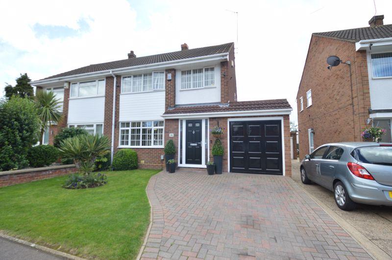 3 bedroom  to buy in Torquay Drive, Luton