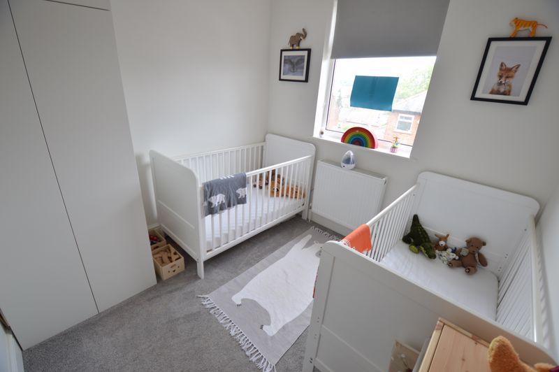 3 bedroom Mid Terrace to buy in Cowper Street, Luton - Photo 10