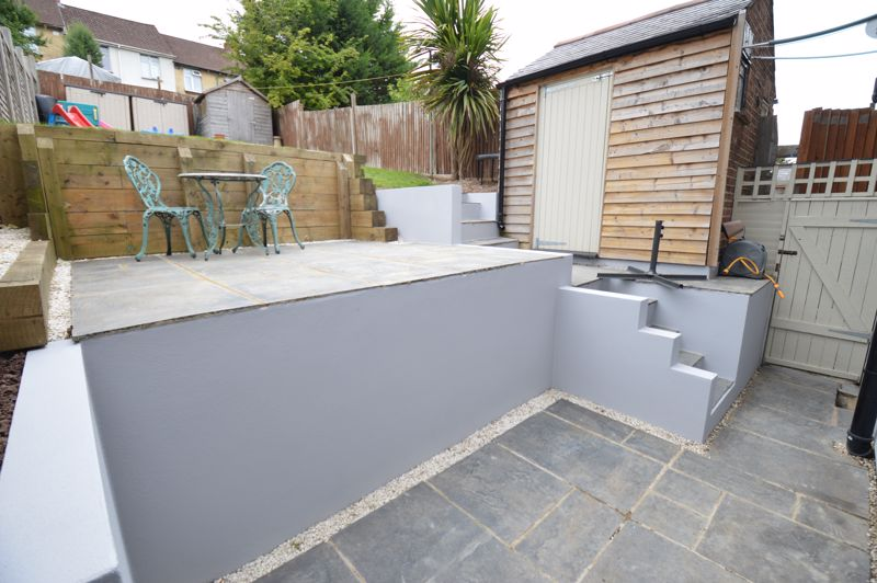 3 bedroom Mid Terrace to buy in Cowper Street, Luton - Photo 14