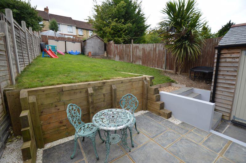 3 bedroom Mid Terrace to buy in Cowper Street, Luton - Photo 17