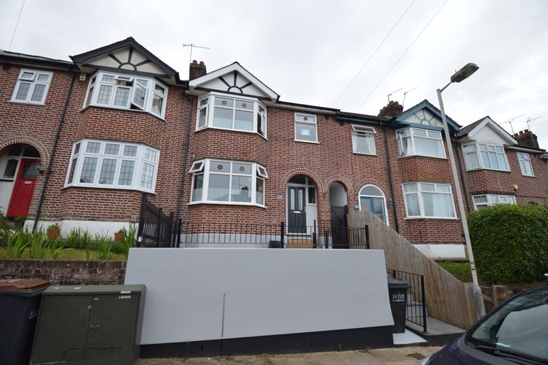 3 bedroom Mid Terrace to buy in Cowper Street, Luton
