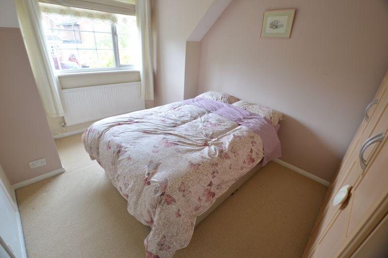 3 bedroom Detached  to buy in Hazelwood Close, Luton - Photo 8