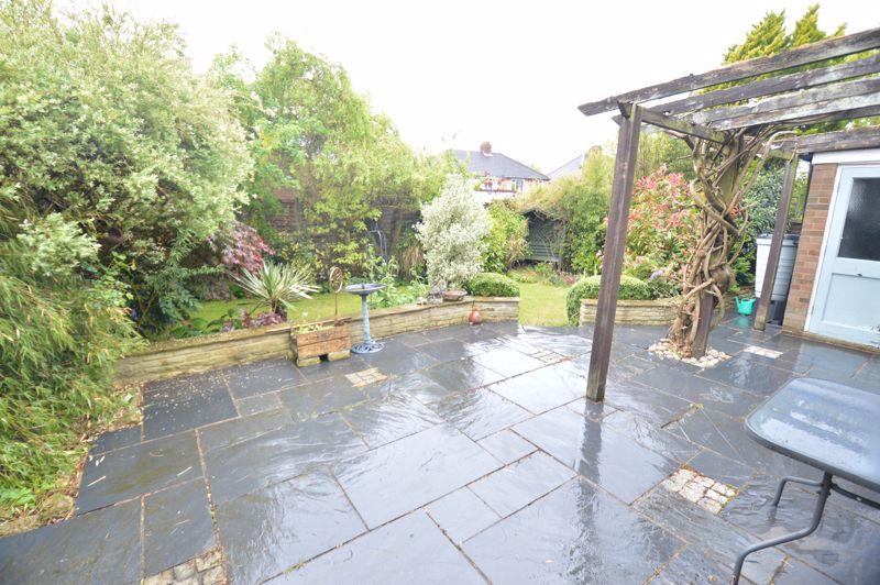 3 bedroom Detached  to buy in Hazelwood Close, Luton - Photo 18