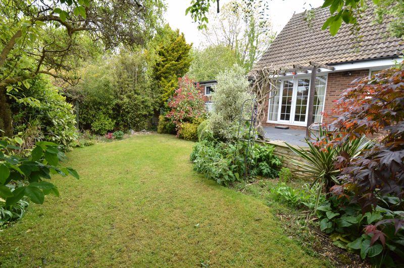 3 bedroom Detached  to buy in Hazelwood Close, Luton - Photo 20