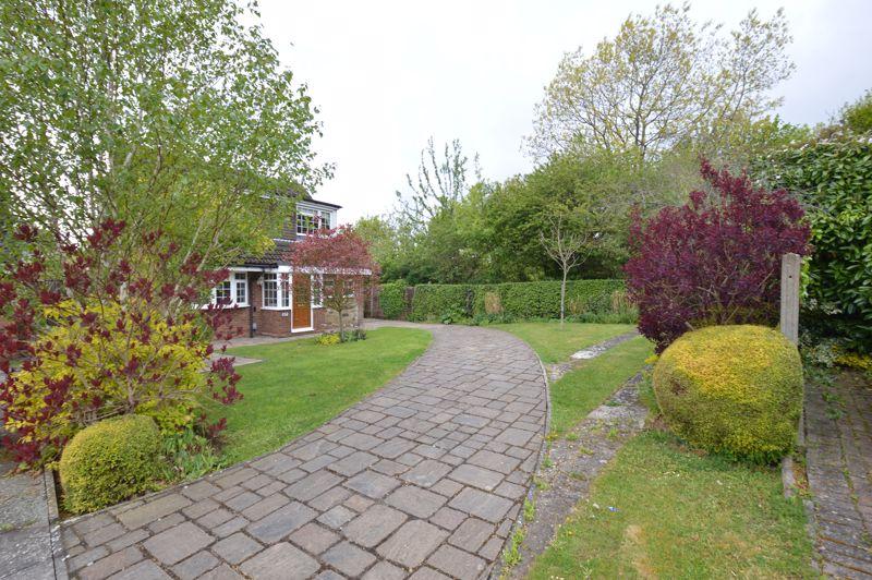 3 bedroom Detached  to buy in Hazelwood Close, Luton - Photo 19