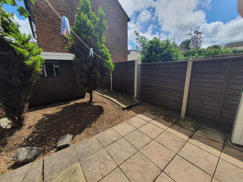 3 bedroom Mid Terrace to rent in Liverpool Road, Luton - Photo 13