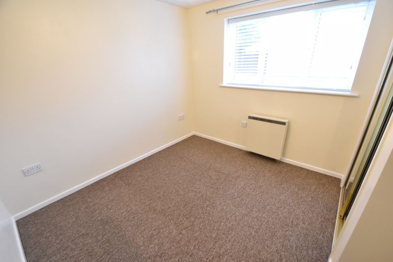 1 bedroom Flat to rent in Simpson Close, Luton - Photo 8
