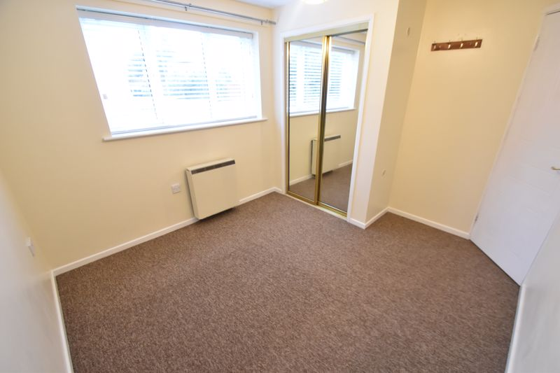 1 bedroom Flat to rent in Simpson Close, Luton - Photo 9
