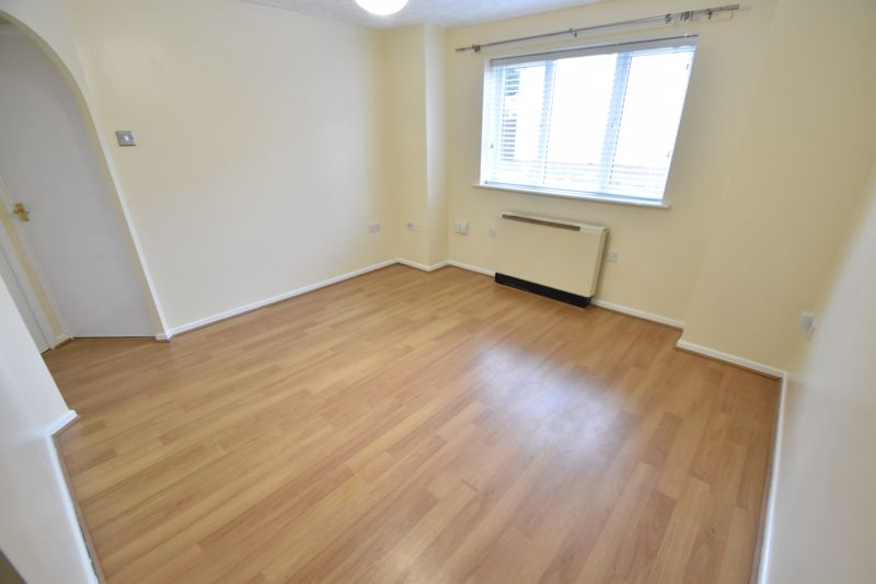 1 bedroom Flat to rent in Simpson Close, Luton - Photo 12