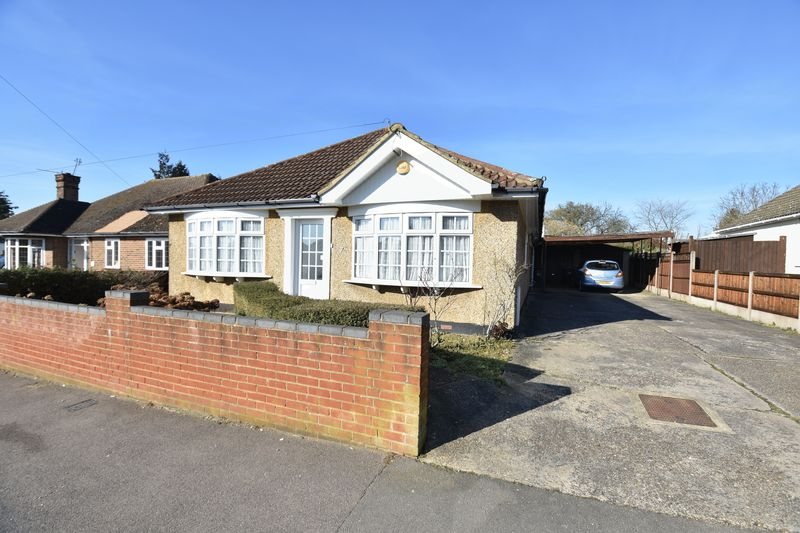 4 bedroom Detached  to buy in Sowerby Avenue, Luton