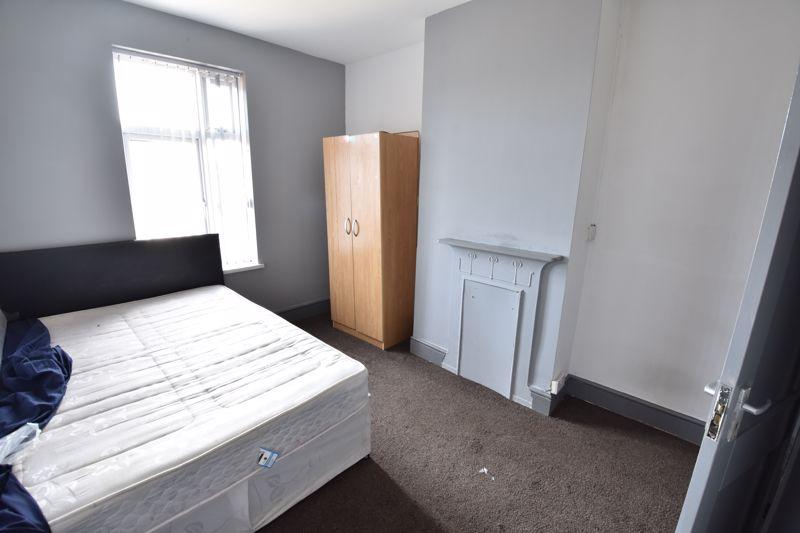 3 bedroom  to buy in Avondale Road, Luton - Photo 10