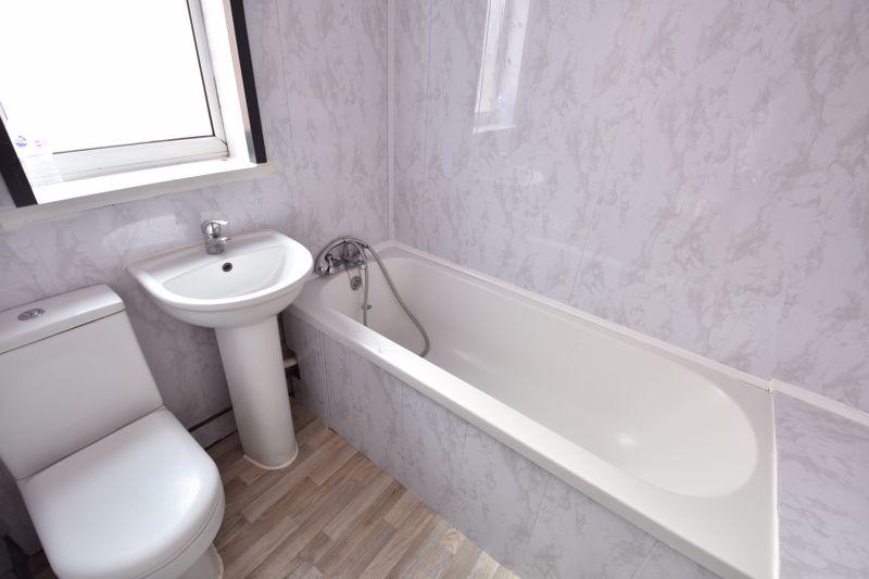3 bedroom  to buy in Avondale Road, Luton - Photo 11