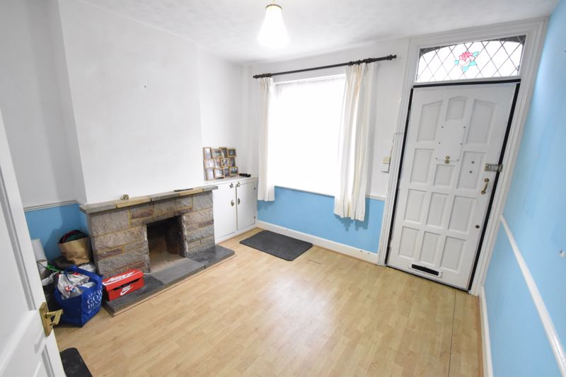 2 bedroom Mid Terrace to buy in Ashton Road, Luton - Photo 1
