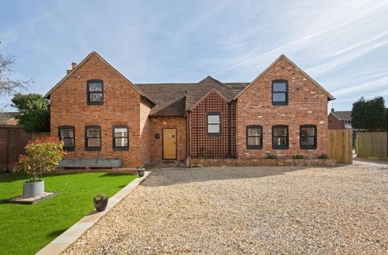 4 bedroom Detached  to rent in Church Street, Reading