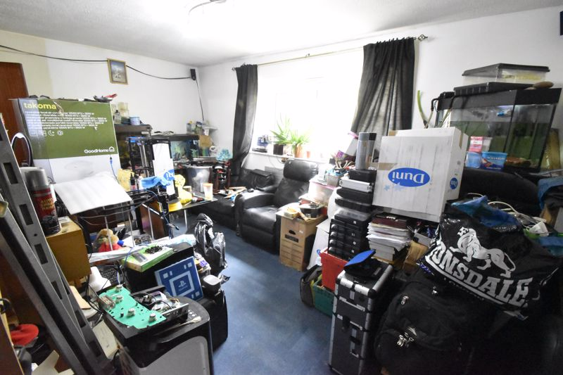 2 bedroom Flat to buy in Moulton Rise, Luton - Photo 8